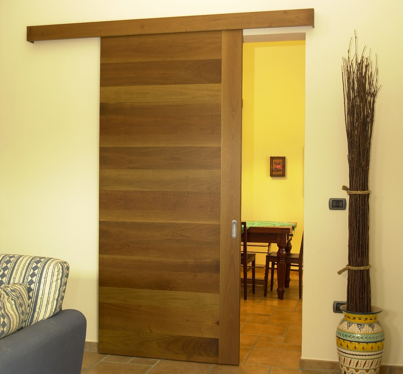 Produzione, vendita e montaggio porte interne in legno a Forlì e ...